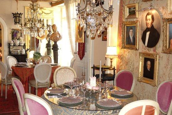 La Perriere, France: Les restaurant