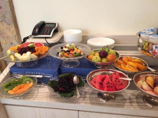 Maison Tofani: Breakfast fruit
