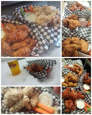 Lindsay, Canada : Just a few different shot of our AMAZING CHICKEN WINGS! Try the Gar Par (no extra charge!!) :)