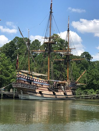 Jamestown Discovery Boat Tour