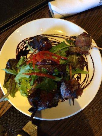 Hillsboro, Όρεγκον: Lots of lettuce, very little charred bacon...