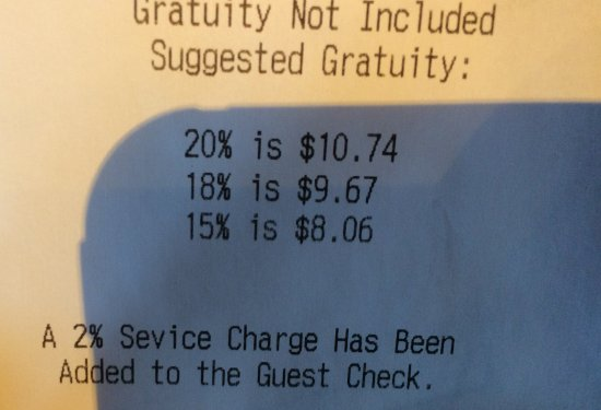 Hillsboro, Oregón: Surprise! Your meal now costs more! Dishonest.