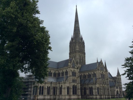 Salisbury Cathedral: Initial view of the cathedral