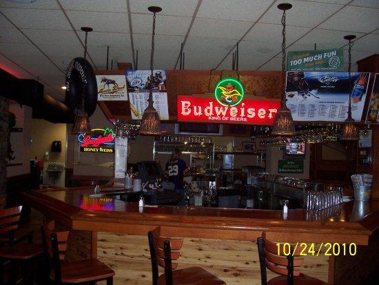 Albertville, MN: Bar