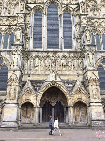 Salisbury Cathedral: Front of cathedral (I think)