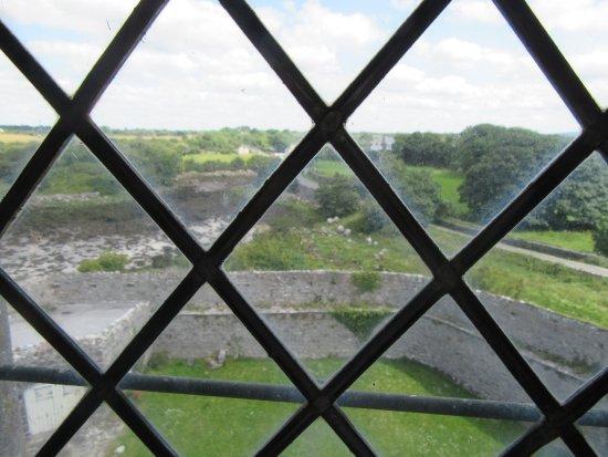 Оранмор, Ирландия: View from one of the windows