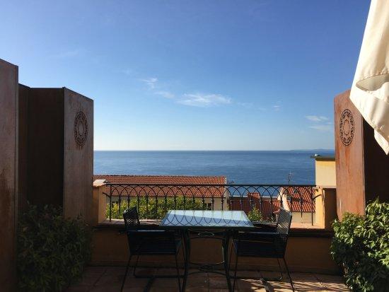 Hotel La Perouse: Sea View Room W/ Balcony
