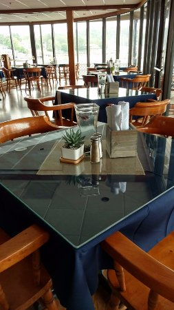 Fisherman's Wharf Inn Restaurant : Our new dining room tables