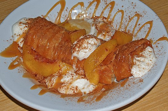Leesburg, FL: Zangos Dessert with Peaches - Fabulous!!