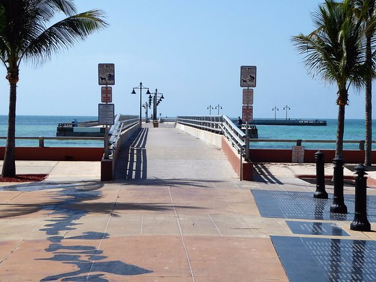 White street pier key west all you need to know before for Key west fishing pier