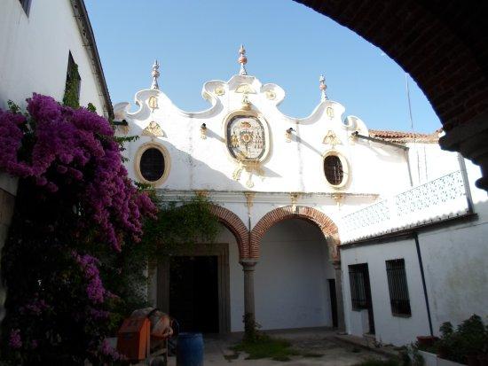 Casa Solariega de la Familia Peche: convento de la paz