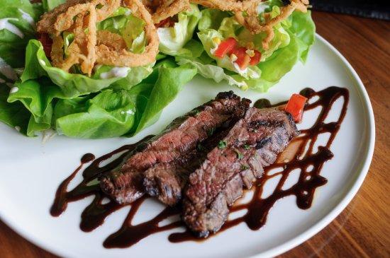 ลินช์บูร์ก, เวอร์จิเนีย: Flank Steak Salad