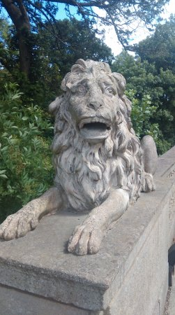 Billingham, UK: Stone lion on the bridge