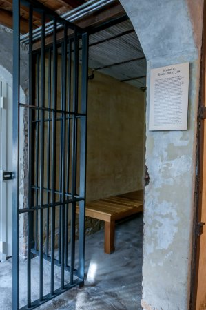 Wilmette, IL: Gross Point Village Hall jail cell