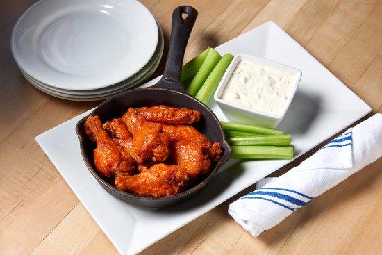 Farmingdale, NY: Classic wings.