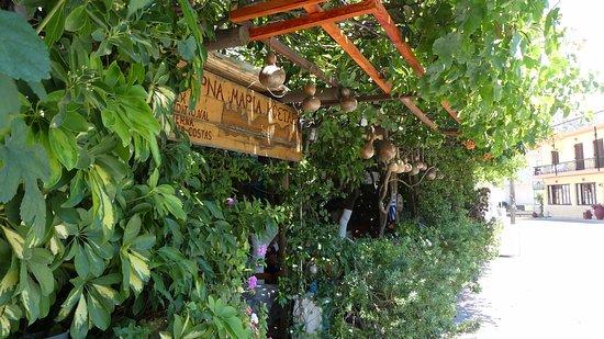 Spili, Grecia: Beautiful location, bad food