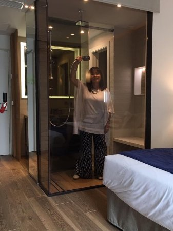 Hotel Son Caliu Spa Oasis: Loved my see through shower - don't worry there is an electronic blind you can use for modesty.