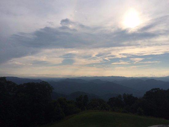 Burnsville, NC: Smoky Blue Ridge Mountains