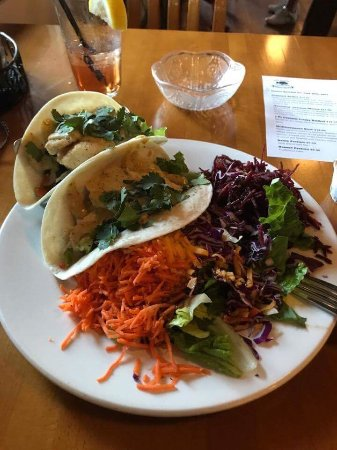 Rock Cod Cafe: Grilled Halibut Fish Taco with RC Salad