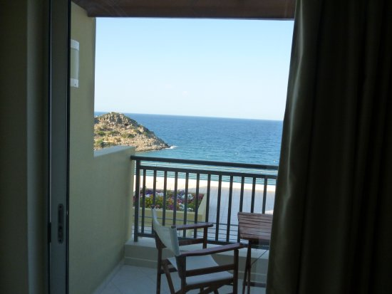 Blue Marine Resort & Spa : the view from inside our room