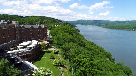 Zulu Time Rooftop Lounge:  Zulu Time Rooftop Bar and Lounge overlooking the Hudson River.