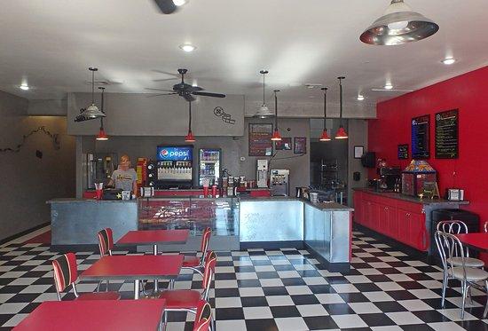 Panguitch, UT: Reel Bites Cafe inside theater lobby.