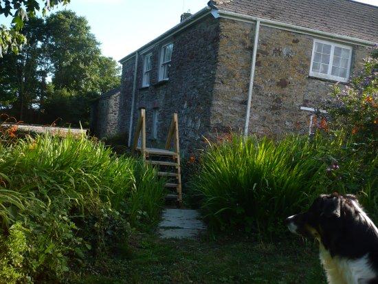 Veryan in Roseland, UK: View of Farmhouse from the back