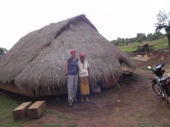 Sen Monorom, Camboya: Meeting Bunong locals
