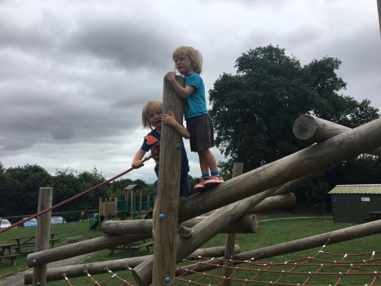 Ledbury, UK: kids play area climbing frame
