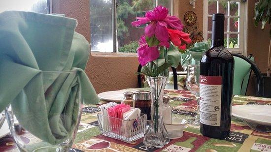 Del Mar, CA: Patio dining