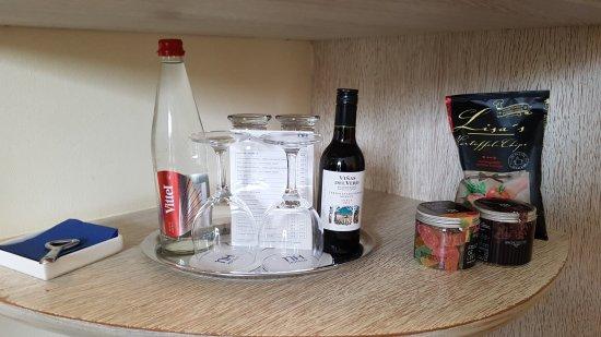 NH Potsdam: Getränke und Snacks