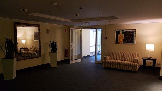 NH Potsdam: Wartebereich auf der Etage