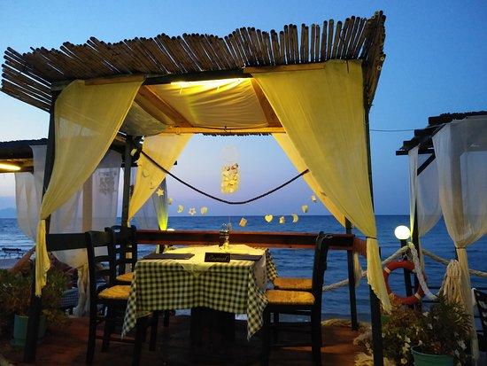 Ammoudi, Grecia: 20170719_211802_large.jpg