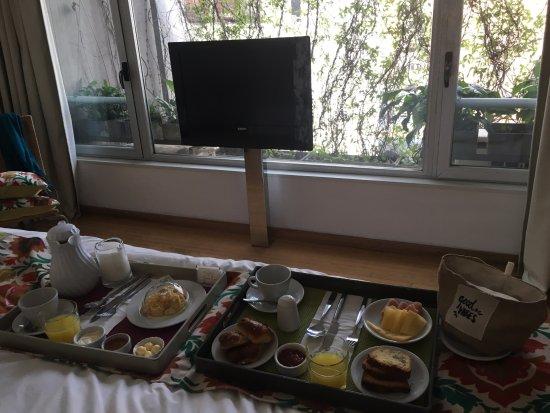 Casa Calma Hotel: Desayuno en la habitacion !!