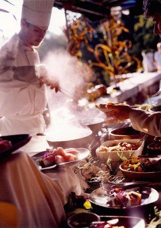 Manchester, VT: Wilburton Inn outdoor dining event