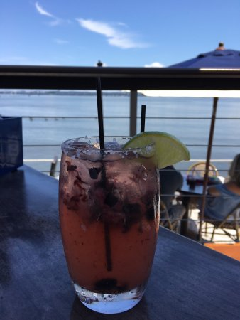 Piermont, NY: Cocktails menu, my berry spicy margarita and view from my rail table