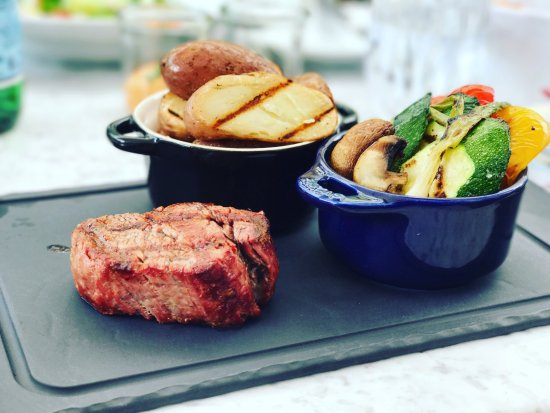 KOLLAZS - Brasserie & Bar: The Beef Tenderloin with Grilled Veggies and Stake Potatoes And the Cheesecake