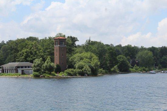 Mayville, نيويورك: View of Miller Bell Tower (the Chautauqua Institution) from the Chautauqua Belle