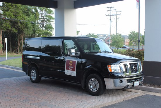 Clarion Hotel & Conference Center Leesburg: Shuttle Van