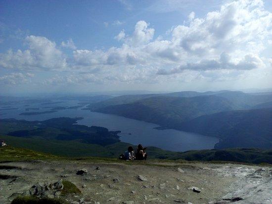 Rowardennan, UK: View of Loch Lomond from summit of Ben Lomond