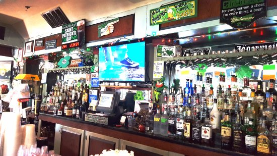 Middletown, CT: Full Bar