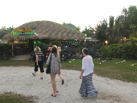 Arorangi, Cook Eilanden: By dusk