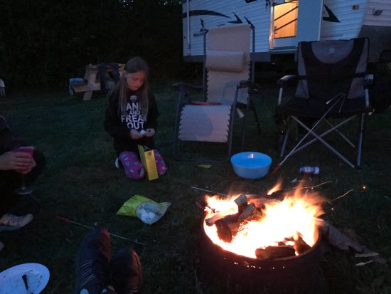 Smith's Cove, Canadá: Fire under the stars
