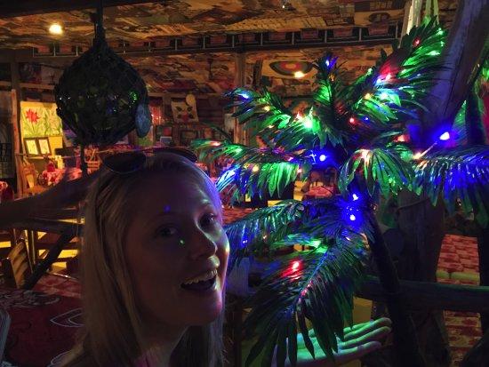 Arorangi, Islas Cook: Bright Lights