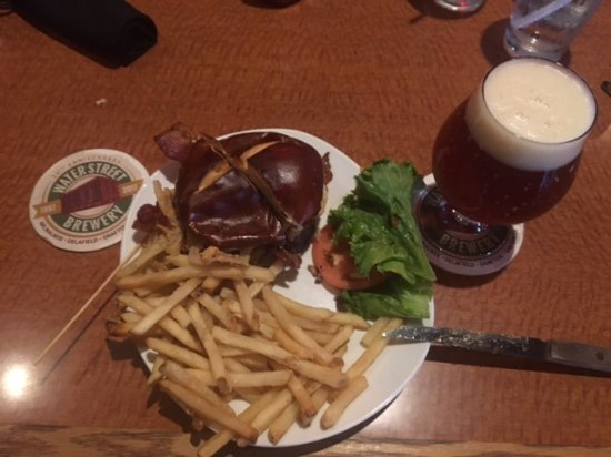 Delafield, WI: Burger and Beer