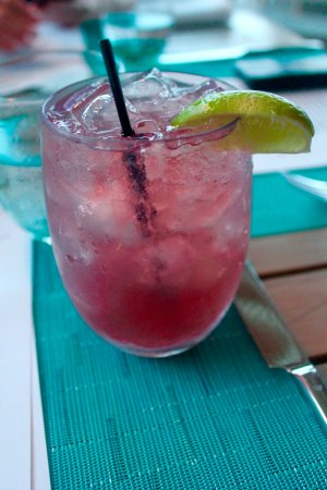 Bamboo Bar and Grill at Viceroy Anguilla: Islandtini Drink