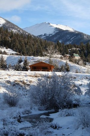 Ennis, MT: Diamond J Winter Vacation Rental