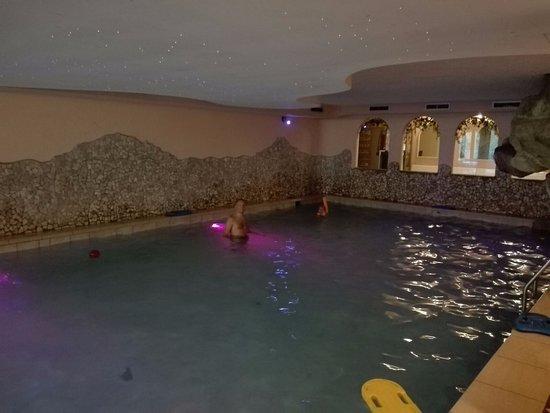 Hotel Val di Sole: Piscina interna
