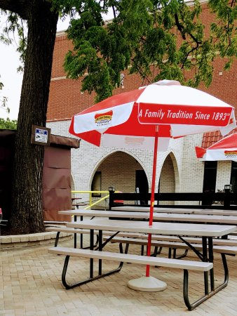 Elmhurst, IL: our updated patio and umbrellas