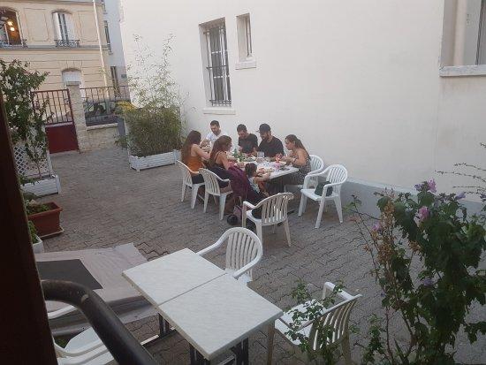 Vanves, France: L'Uliveto
